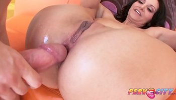 European hot brunette gets massaged and fucked by her masseur