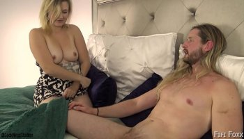 Japanese poor girl fucked in public toilet