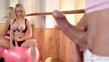 Tanned tattooed babe in cage Susy Gala receives punished by her master